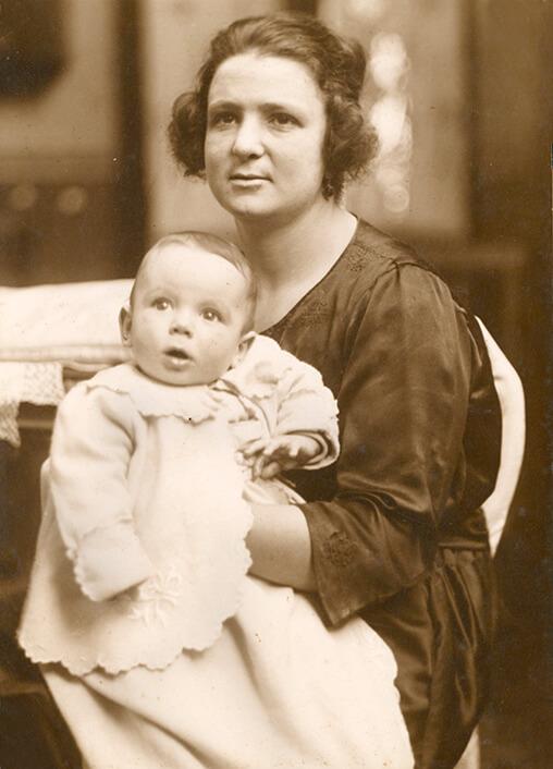 Astor Piazzolla y Asunta su madre